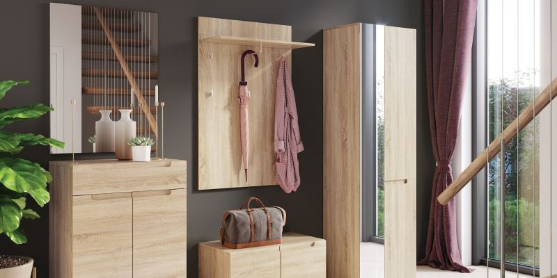 DIY Salvaged Wood Hallway Wall Coat Rack